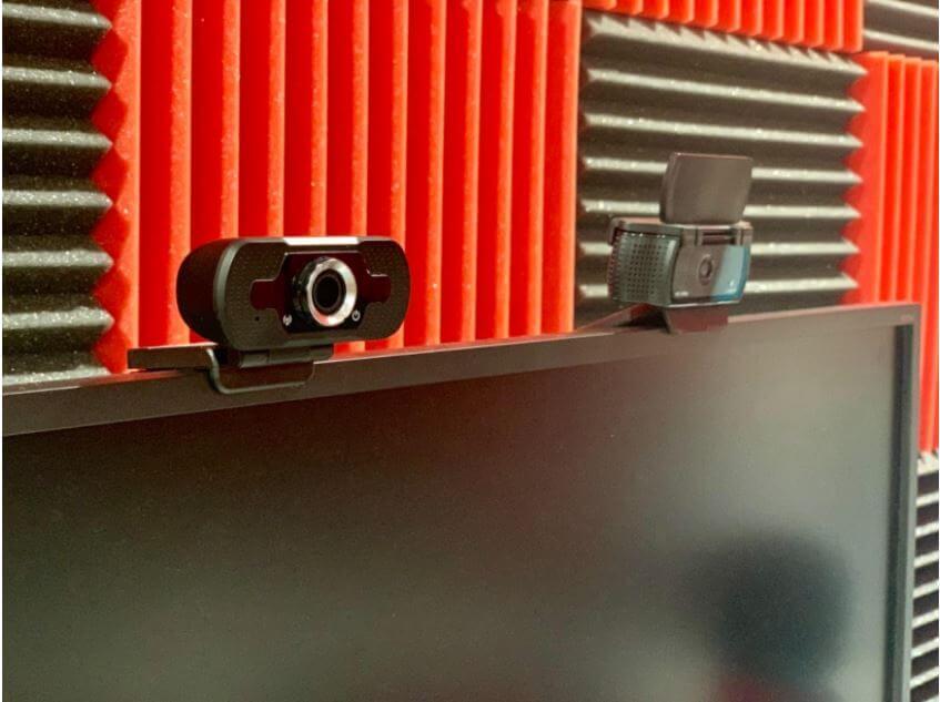 Larmtek webcam setup with computer