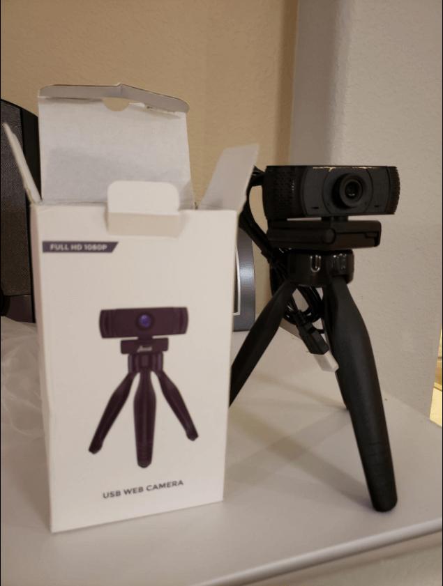 Aoozi webcam setup with tripod