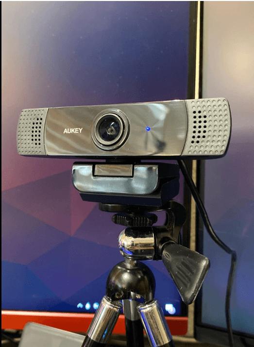 aukey webcam setup with tripod