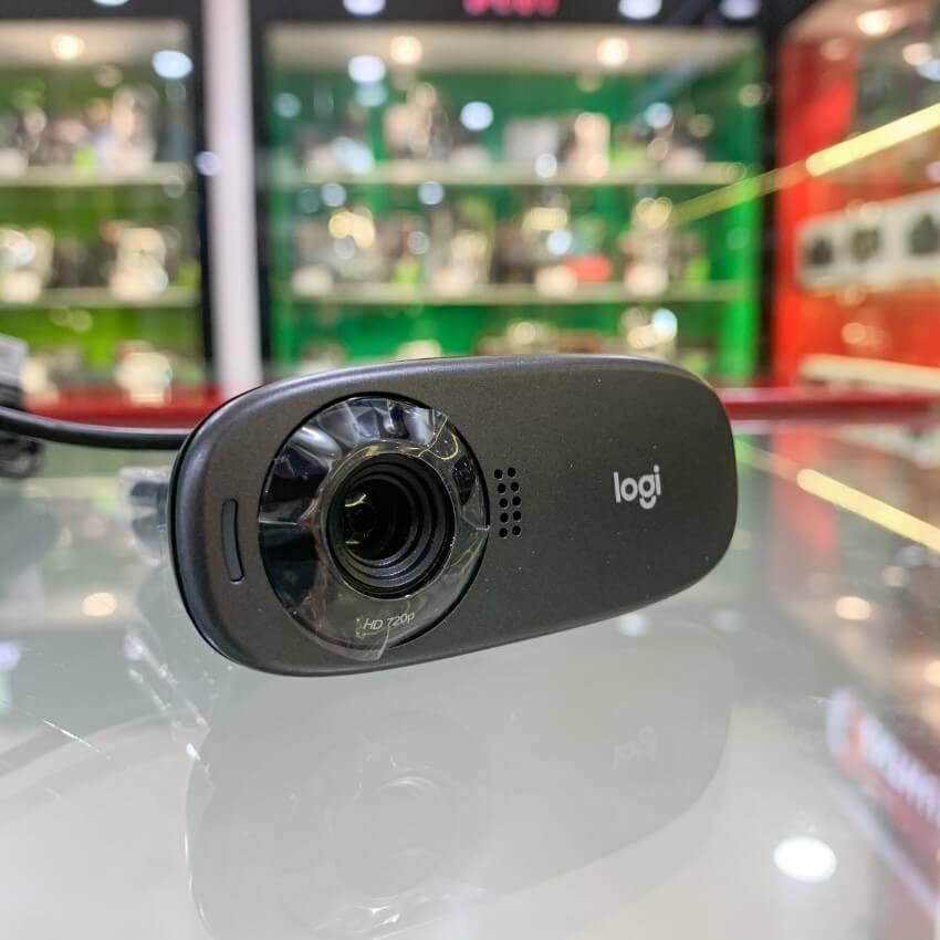 Unboxing The logitech C310 HD webcam